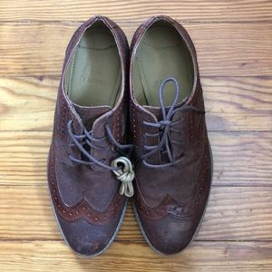 NWOT J. Shoes, brown, classic wingtips, size 6